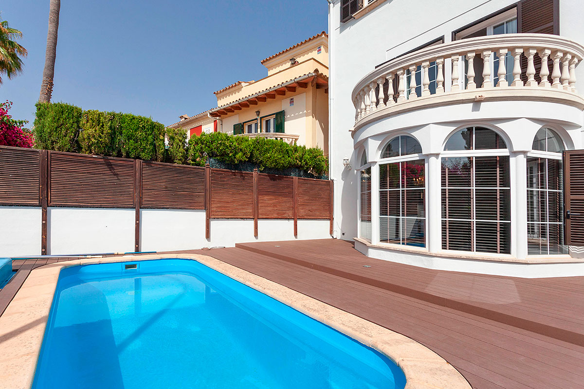 Palma 5 bedrooms town house with pool