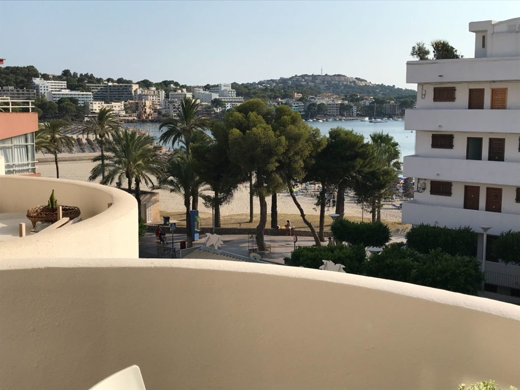 1 bedroom apartment for rent in Santa Ponsa with sea views