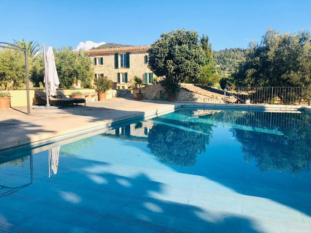 Binissalem Mallorca property on a big plot