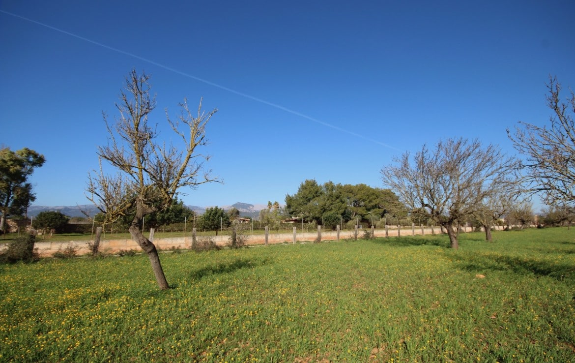 Binissalem Mallorca - plot of land with building license, opens views and easy access