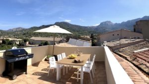 Town house in the center of Soller for sale, roof terrace and panoramic views