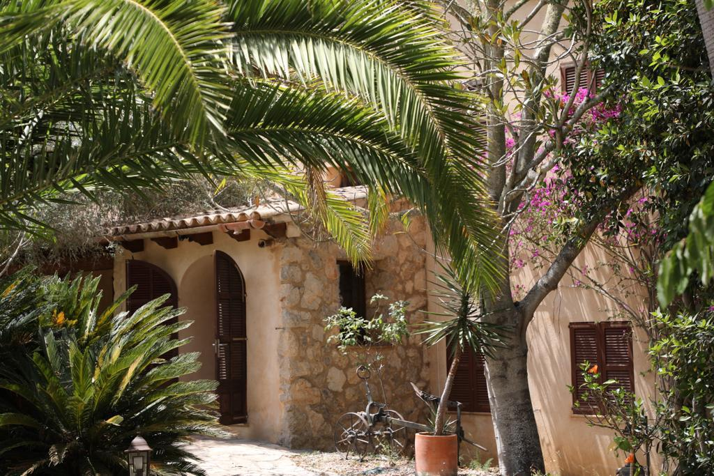 Arta Mallorca – Stunning finca with guesthouse and rental license