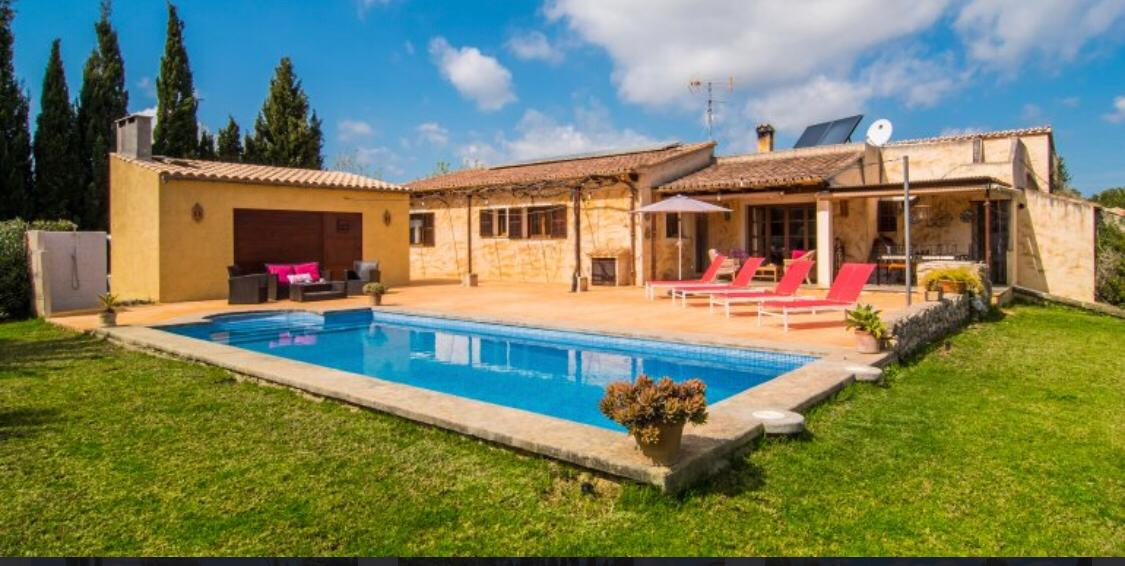 Rural Villa in Arta Mallorca with holiday rental license