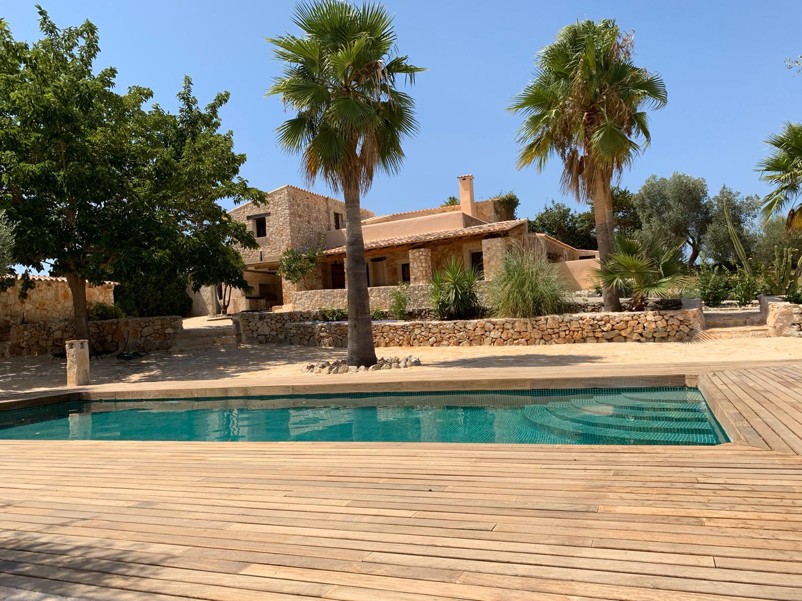 Rustic finca for sale Mallorca Sineu