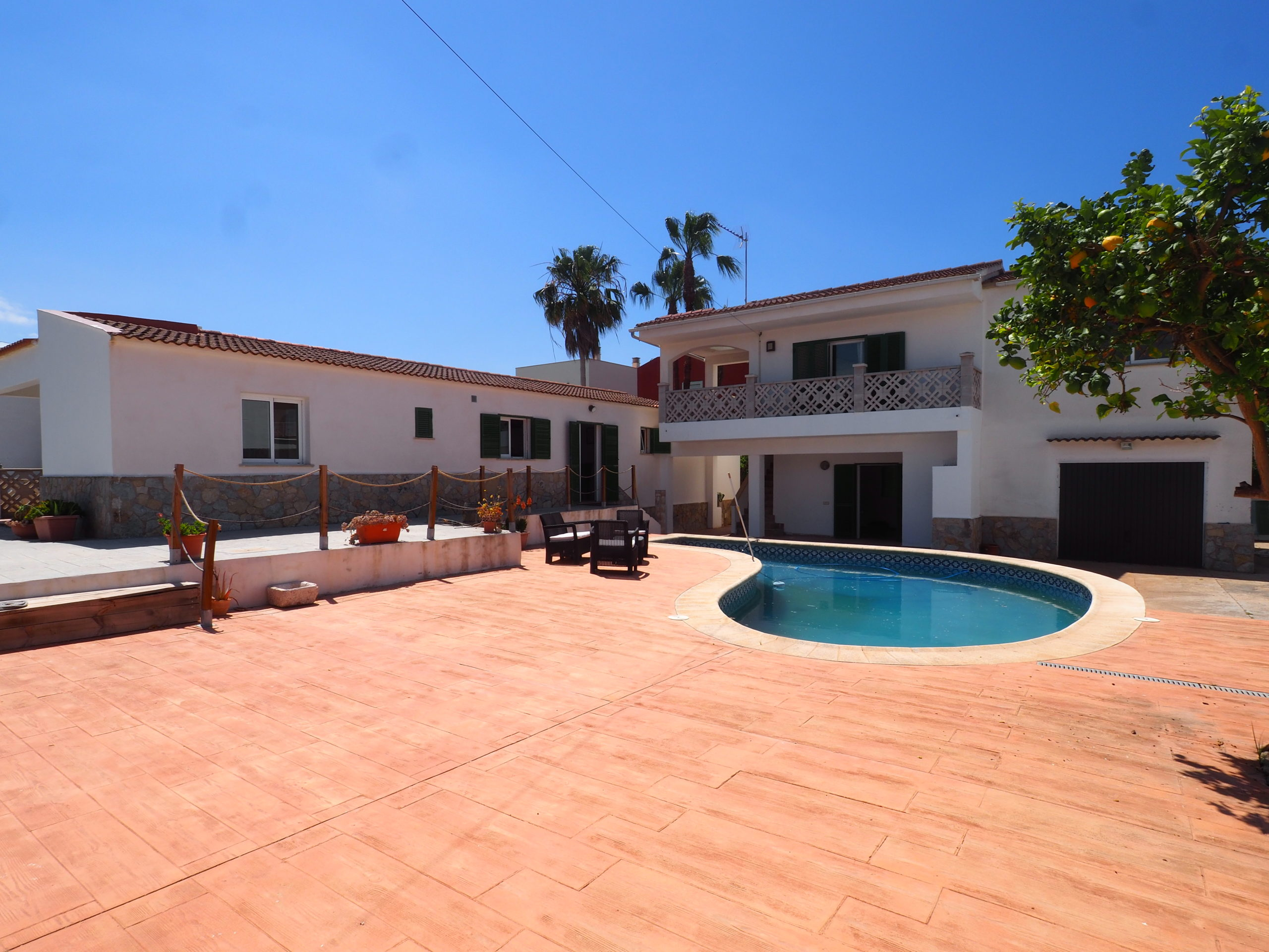 Villa with pool and a guest apartment in Santa Ponsa area, close to Port Adriano