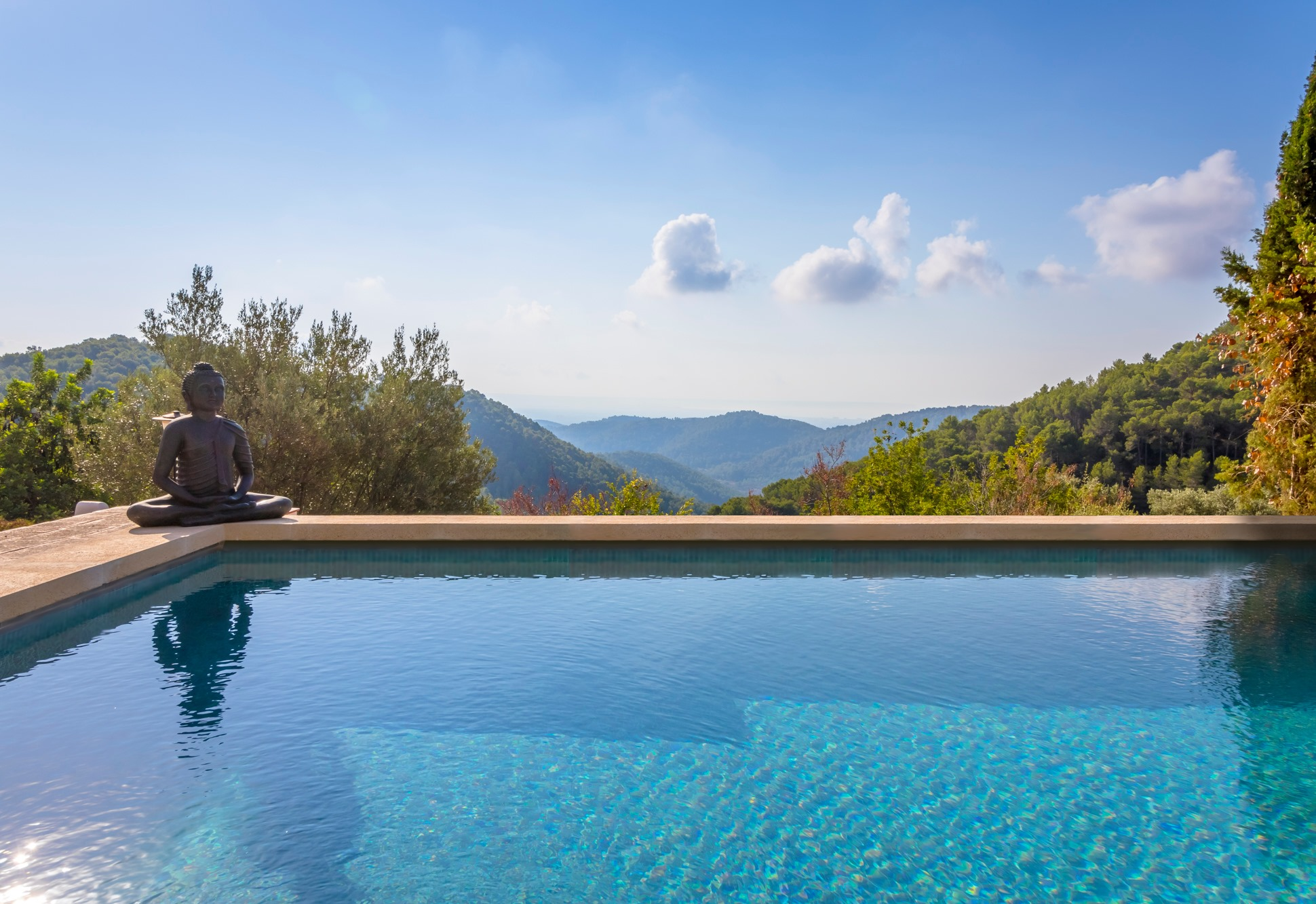 Finca in Esporles with spectacular views - Investment opportunity - The property has a valid tourist License.