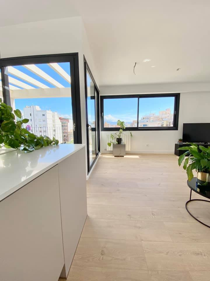 Palma: Renovated modern design penthouse - Plaza España