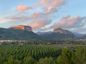 Alaro: Country home with the most stunning views to the mountains