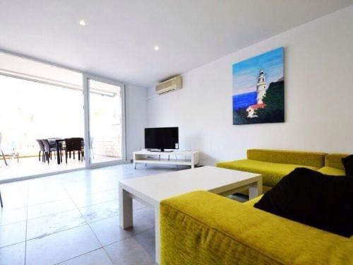 Rent: Illetas 2 bedrooms beach apartment, pool, parking