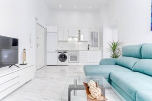 Palma Old Town: Calatrava newly renovated apartment with community roof terrace
