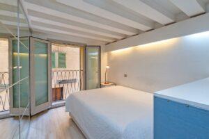Palma: La Lonja newly renovated stylish apartment