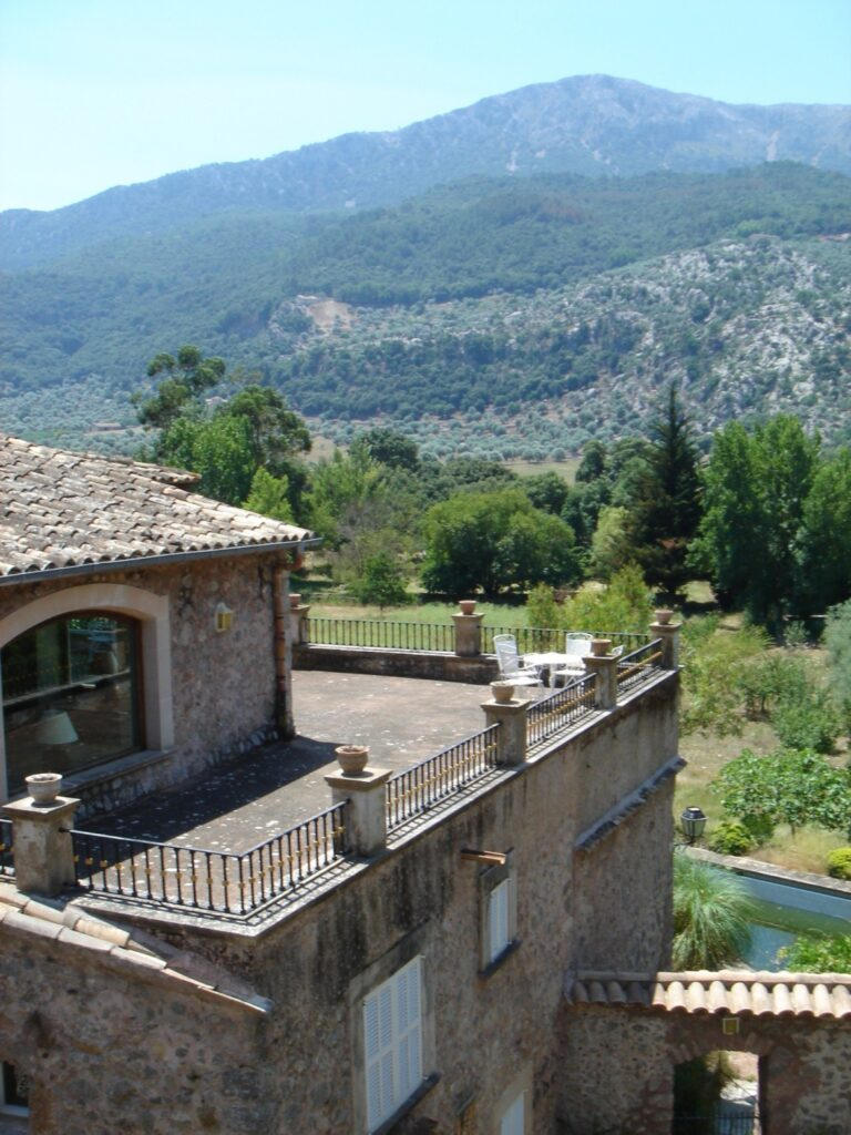Big Manor Estate with hunting license for sale in Mallorca Spain