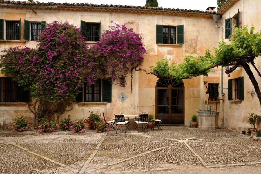 Hidden gem of Mallorca, peaceful place on the footstep of the mountains - Historic impecable Possessio from XVIII
