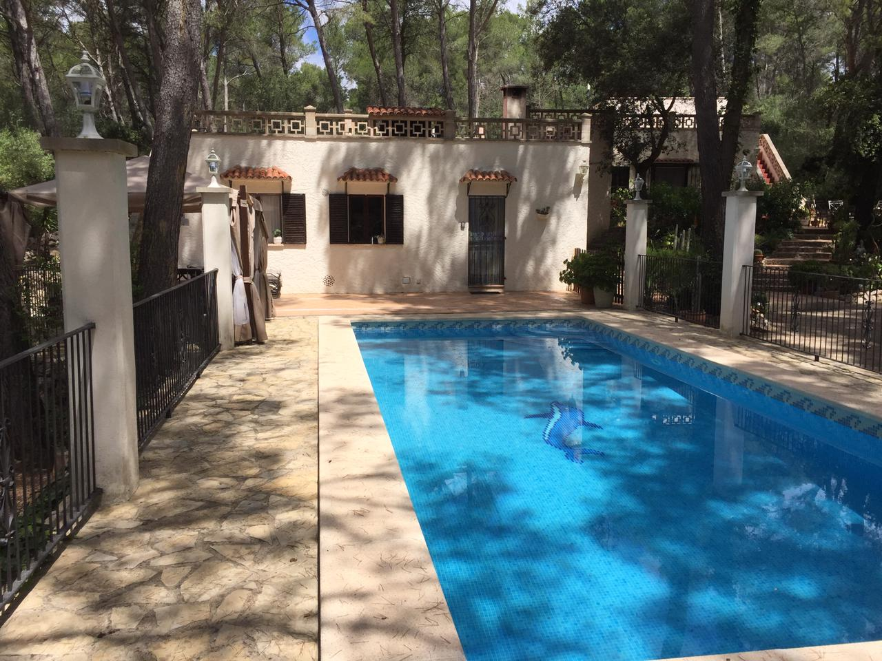 Rent: small finca with pool in central Mallorca in the middle of the Nature