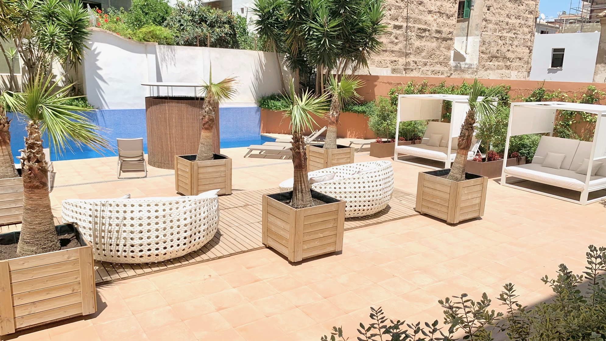 Palma city: New apartments centrally located, with private roof terrace, parking, pool